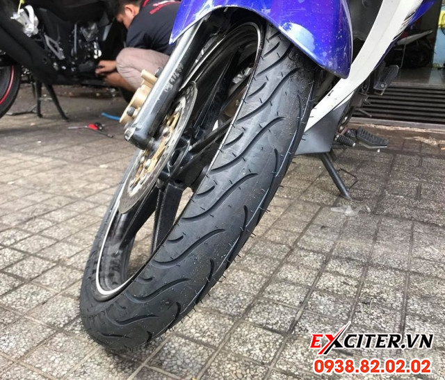 Vỏ michelin pilot street 7090-17 cho exciter  - 1