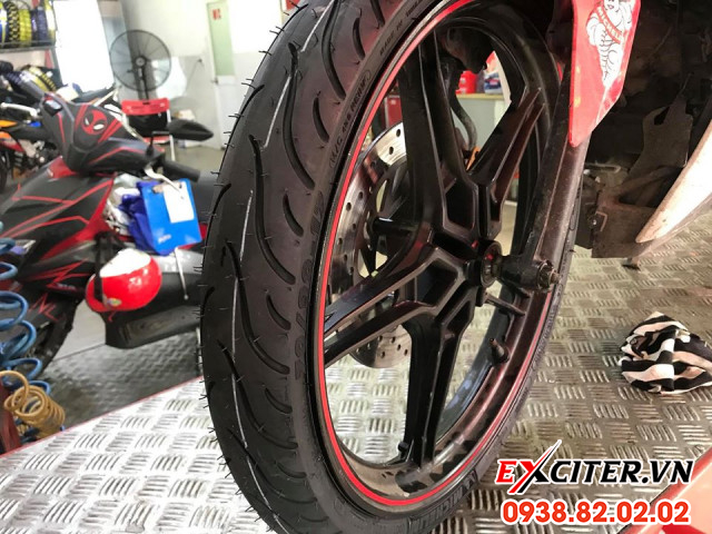 Vỏ michelin pilot street 7090-17 cho exciter  - 2