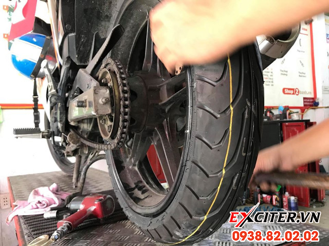 Vỏ dunlop 11070-17 gt601 cho exciter - 1