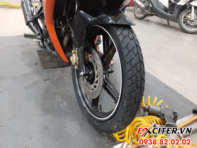 Vỏ michelin city grip pro 7090-17 cho exciter - 1